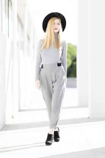 Grey casual look