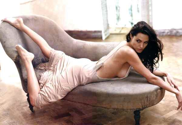 Annie-Leibovitz-Angelina-Jolie-2