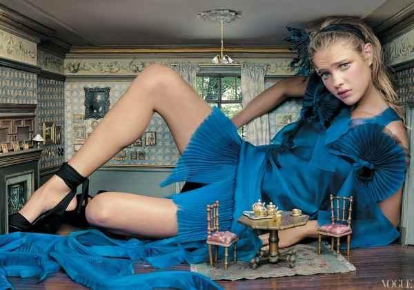 Annie-Leibovitz-Disney-Alice