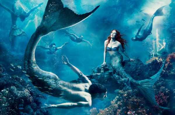 Annie-Leibovitz-Disney-Sirenita-Julianne-Moore