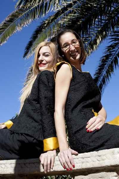 Carla Tomas y Maribel Server