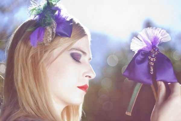 Laura Bracho, elegancia en El Bolso de Maribel