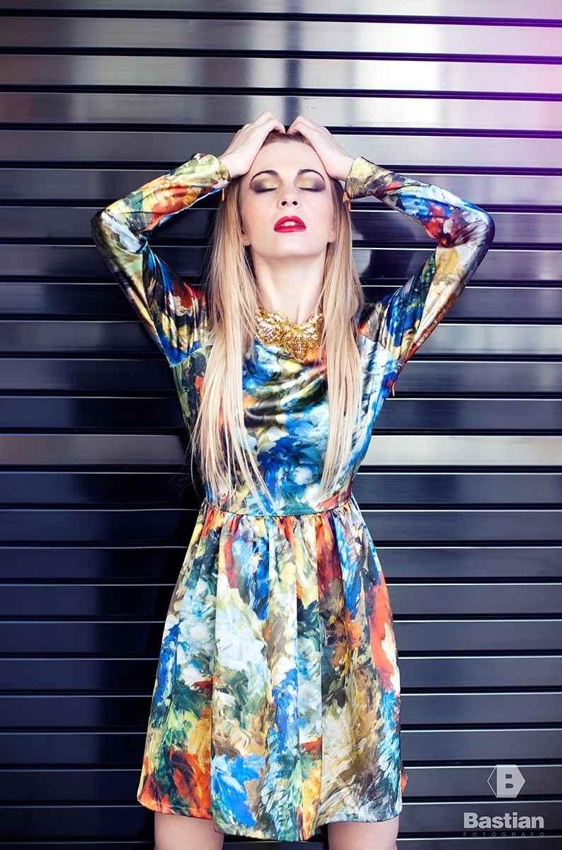 Vestido estampado de Miguel Vizcaino colección Lilith