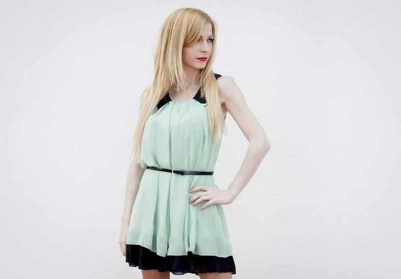 Vestido menta de Olivia Hudson