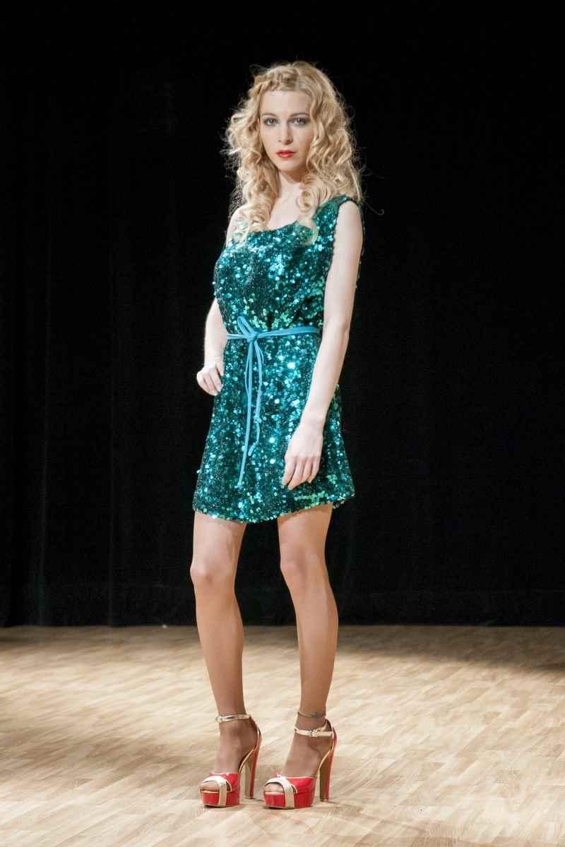 Vestido verde de lentejuelas de JavieryJavier