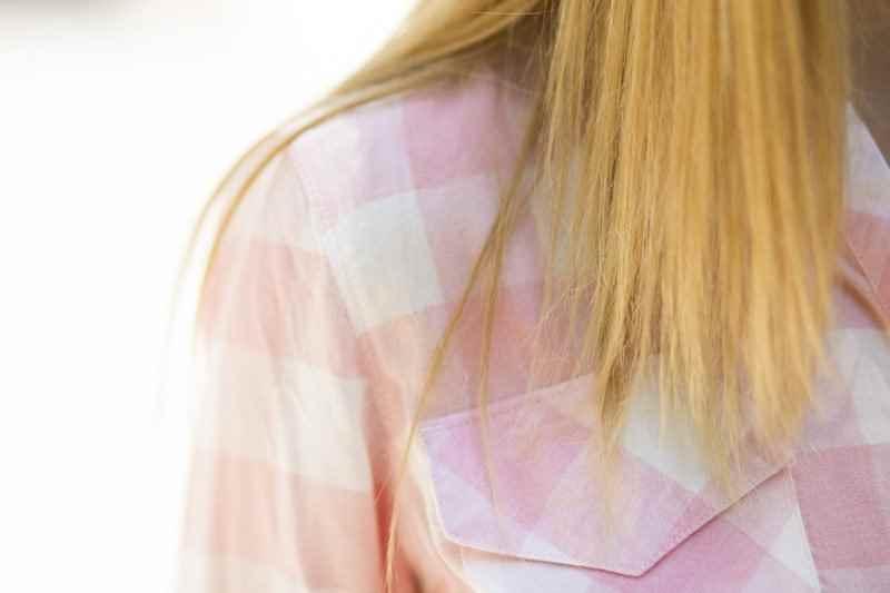Camisa tartán a cuadros rosa Stradivarius